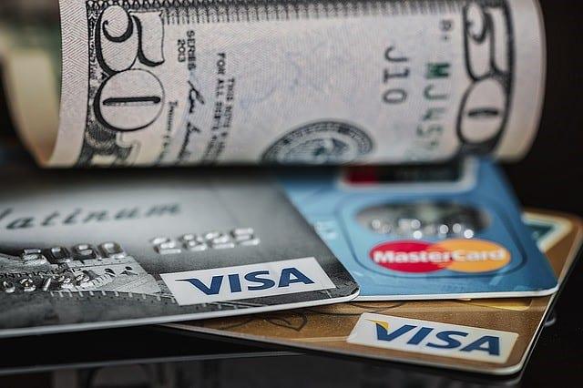 Aprenda a pagar contas com o cartão de crédito