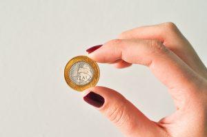Taxa Selic: Copom mantém juros a 2%, como isso afeta a sua vida