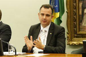 Congresso estuda fatiar a PEC Emergencial para liberar auxílio emergencial