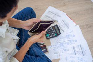Vale a pena parar de contribuir para o INSS? Entenda os riscos!